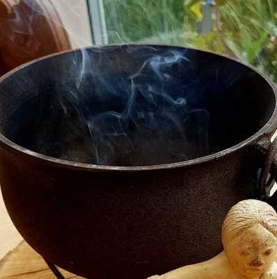 The magic of: Frankincense & Myrrh