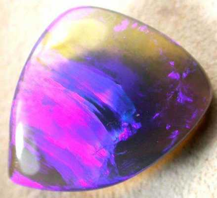 AstroGemology: Cancerian Soul Stones and Power Crystals