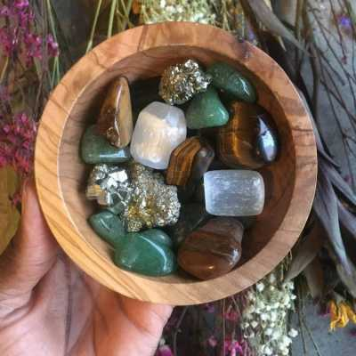 Prompt Prophecies: Crystal Divination