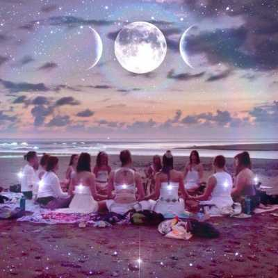 Rose Moon Ritual: A Full Moon Ceremony
