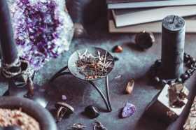 Dark Moon Magic: Symbol Writing