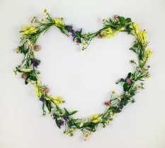 Herbal Wreaths: Bring Love into Your Home