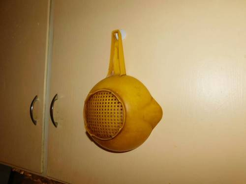 b2ap3_thumbnail_Strainer-hanging-on-cabinet-door.JPG