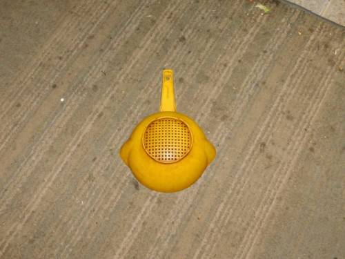b2ap3_thumbnail_Strainer-landed-on-the-floor.JPG